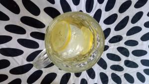 Zöld tea, jég, citrom.